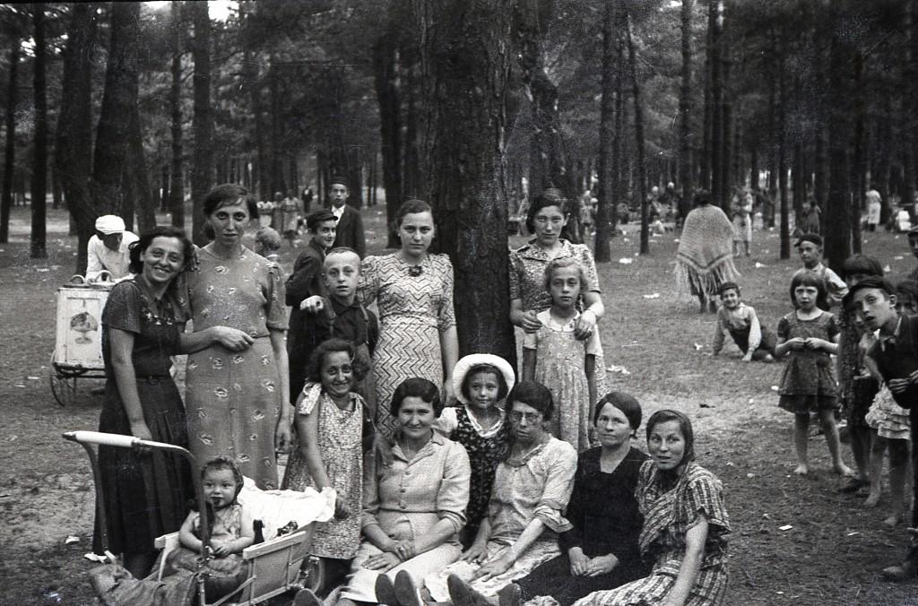 Jewish Żarki. Lost photographs.